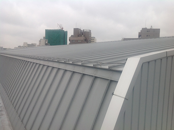 北区立王子桜中学校 体育館屋根遮熱塗装工事